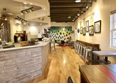 Countertop In Coffee Shop - Quartz